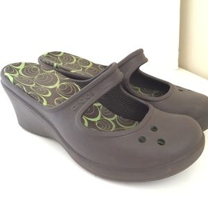 CROCS Frances Mary Janes Clogs Wedges Brown Taupe